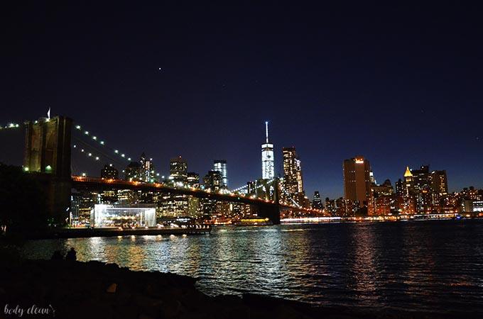 Nowy Jork co warto zobaczyć Brooklin Bridge nocą