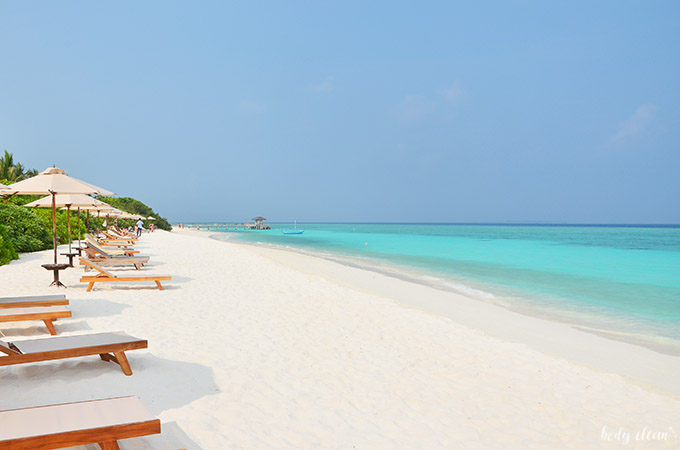 Malediwy wakacje Hanimaadhoo plaża