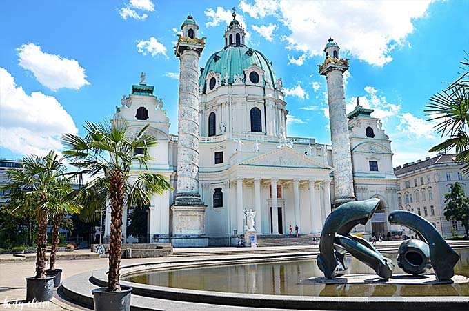 Wiedeń co warto zobaczyć Karlskirche Kościół karola boromeusza