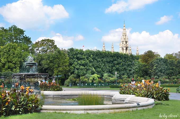 Wiedeń co warto zobaczyć Volksgarten