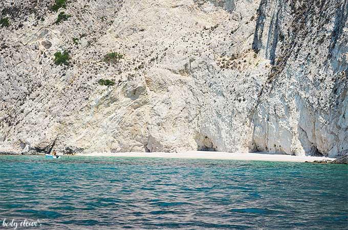 Korfu co warto zobaczyć Kastelli Beach